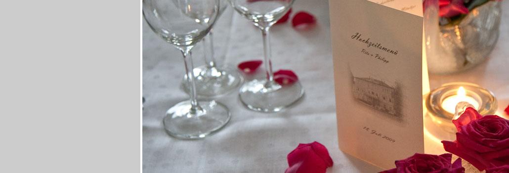 Hochzeitsdekoration am Abend